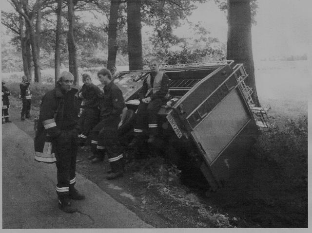 Unfall Feuerwehraut im Graben  Raesfeld