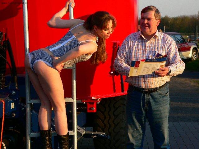 Pin Up Girl für Treckerfahrer (1)
