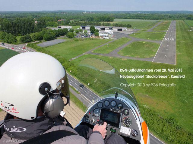 1_ Pilot im Gyrocopter