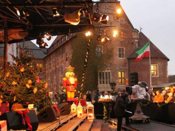 WDR-Adventsmarkt Schloss Raesfeld 2013