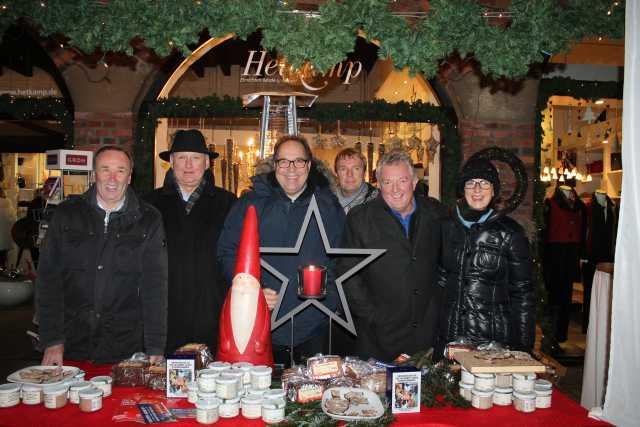 Schmalz und Co gab es an diesem Stand. Adventsmarkt Raesfeld 2013