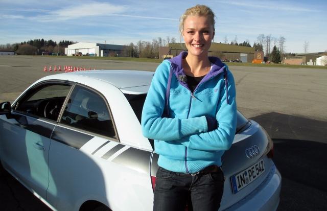 Miriam Höller mit dem Audi A1