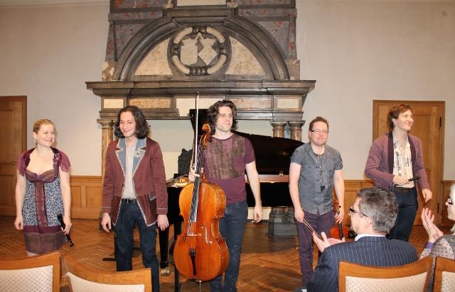 Senkrechtstarter in der internationalen Klassikszene. Dazu gehören: Andrea Ritter und Daniel Koschitzki (Flöten) sowie Geiger Stefan Glaus, dem Cellisten Victor Plumettaz und Pianisten Mischa Cheung.