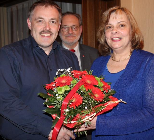 Glückwünsche für Elke Rybarczyk vom Unterbezirksvorsitzenden Marc Jaziorski