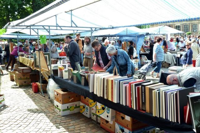 büchermarkt 2013 I 004