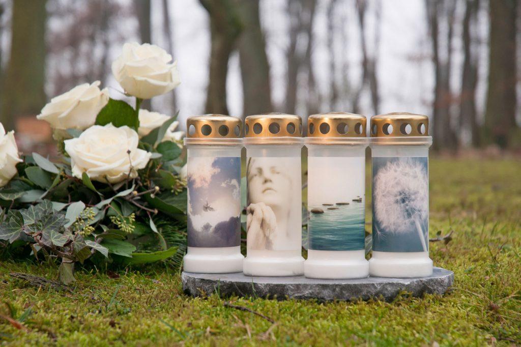 Kerzen für traurige Momente gibt es in vielen und Farben Foto:Foto_djd_Bolsius