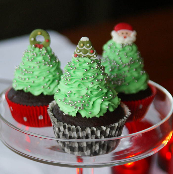 zum nachbacken christmas tree cupcakes weihnachtsbaum. Black Bedroom Furniture Sets. Home Design Ideas