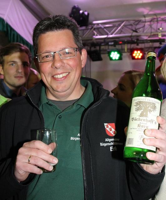 ... Ewald trinkt auch gerne Korn weil...mehr wird nicht verraten