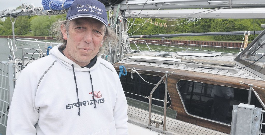 Ende Mai setzt der Raesfelder Günter Jakat (62) in Leer (Ostfriesland) die Segel und bricht zur Weltumseglung auf.