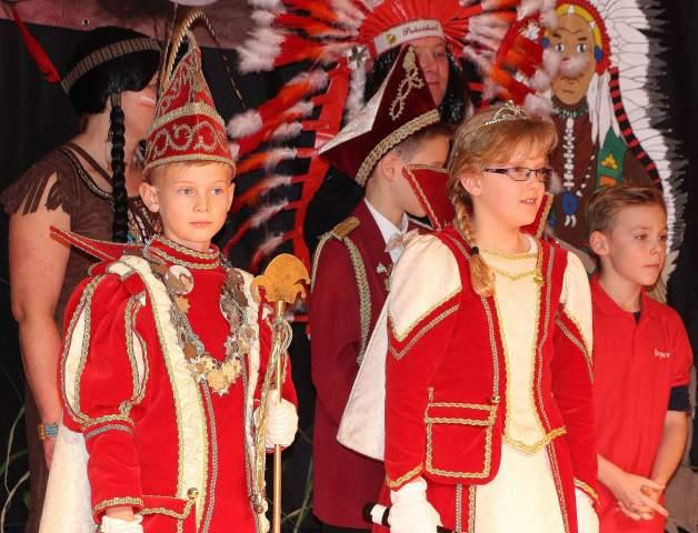 Offiziell in den Adelsstand erhoben wurde das RRZ Kinderprinzenpaar Tim I. (Pass) und seine Lieblichkeit Lea I. (Szczesny) bei der Kinderproklamation am Samstag im Festzelt.
