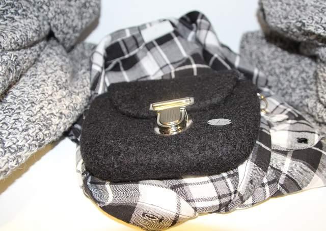 Lulu´s Fashion Store in Raesfeld bietet Mode für trendige Frauen in den Größen 34 bis 46 sowie Accessoires, Taschen, Schals, Mützen, Beans und Schuhe.
