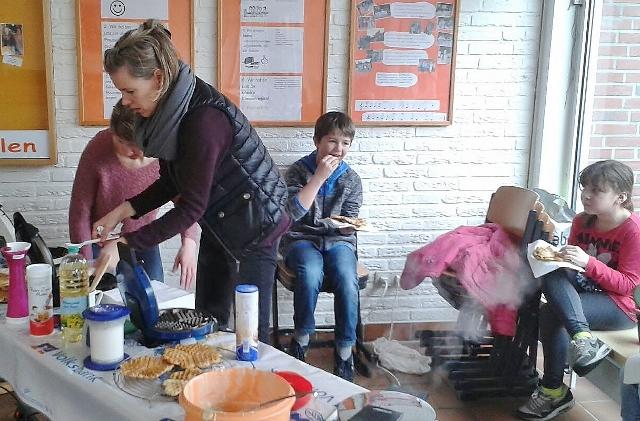 Silvestergrundschule Waffelbacken (5)