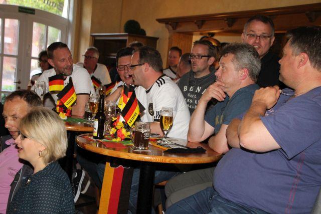 Anspannung und ungebremste Freude - EM-Spiel 2016 Deutschland Italien.