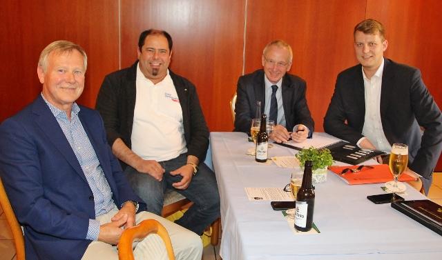 Möchten einen FDP-Ortsverband gründen: Karlheinz Busen (MDL), Bastian Nitsche , Dr. Hubert Koch und Henning Höne (MDL) und Bastian Nitsche. (v. l.)
