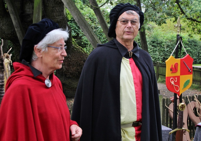 Uschi und Walter Großewilde waren begeistert über die tolle Stimmung und die große aktive Beteilung der Besucher beim Femegericht am Samstag.