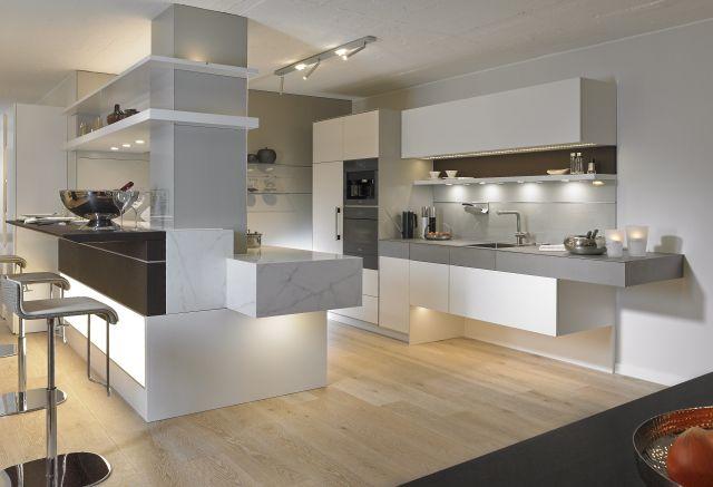 """Vom Möbelhaus über die Musterwohnung """"Hetkamp wohnt"""". Hetkamp bietet maßgerfertigte Lösungen mit Möbeln renommierter internationaler Hersteller."""