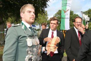 König Jonas Brömmel mit alter Kette im September 2018