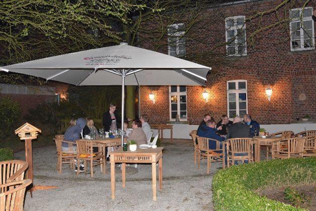 Großer Biergarten Freiheiter Schloss Raesfeld Naturpark