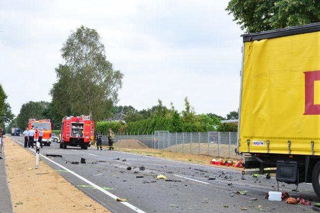 Schwerer Verkehrsunfall mit zwei Toten auf der B224 in Raesfeld-Erle