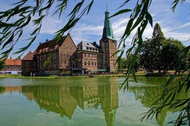 Wasserschloss Raesfeld im Naturpark Hohe Mark