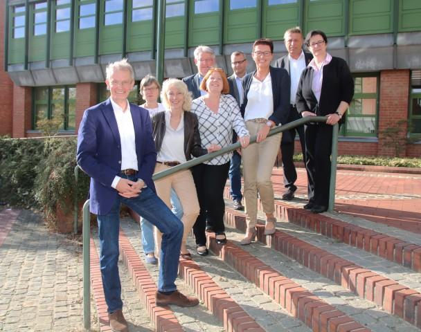 """Die Steuerungsgruppe für die Initiative """"Kein Abschluss ohne Anschluss"""" (KAoA) im Kreis Borken"""