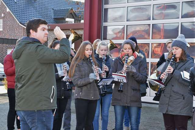 Weihnachtsständchen Blasorchester Erler Jäger
