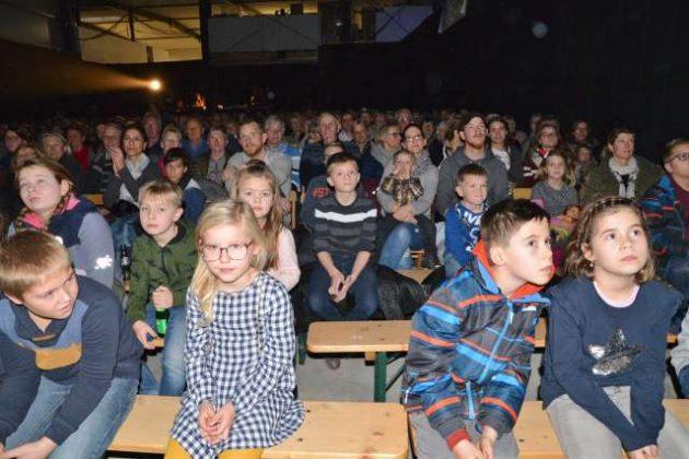 Fun Generation Auftritt Möbelbau Pass