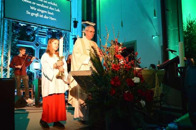 Laser statt Kerzen Silvesterkirche Erle 2019 (