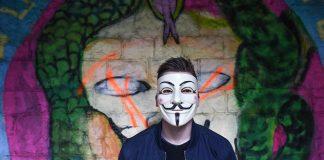 Anonymer-Hacker-im-Netz
