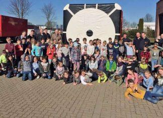 Grundschüler bei der Feuerwehr Raesfeld