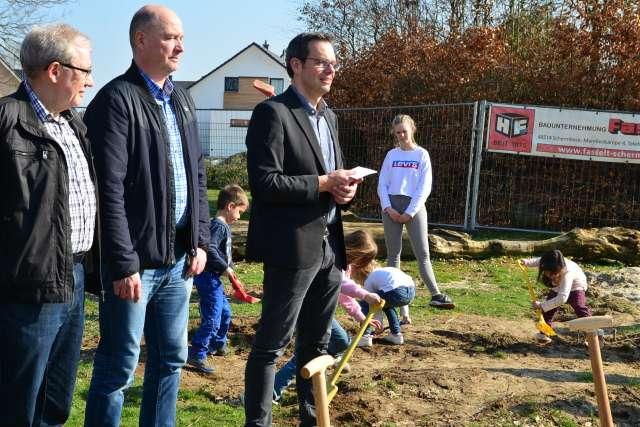 Spatenstich Nikolaus Kindergarten Erle 2019