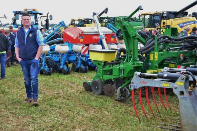 Blau Kraft Landmaschinen Erle