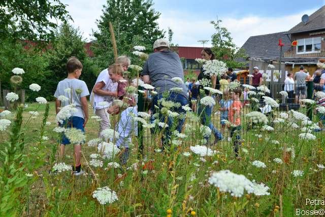 100 Jahre Imker Raesfeld im Garten von Löchteken