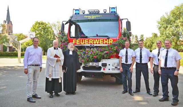 Einweihung Feuerwehr Löschfahrzeug in Erle