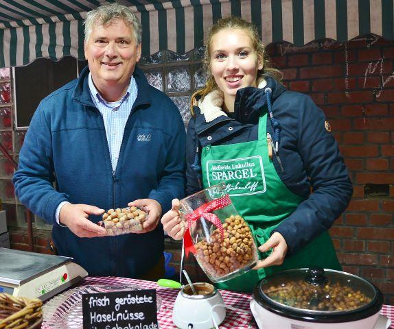 Neu auf dem Bauernmarkt-geröstete Haselnüsse von Böckenhoff