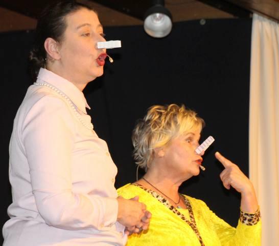 """""""Thekentratsch"""" auf der Kleinkunstbühne in Erle"""