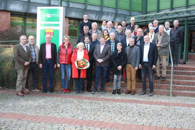 Mitglieder der Kreisgruppe der UWG sowie Vertreter der Stadtpartei Bocholt haben das Kreishaus in Borken besucht