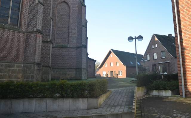 Kirchplatz St. Silvester Erle