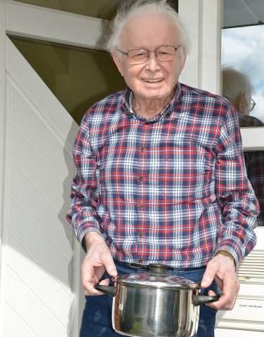 Heinrich Droste 85 Jahre freut sich