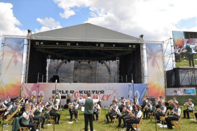 Konzert Raesfelder Burgmusikanten openair Schützenfestwiese