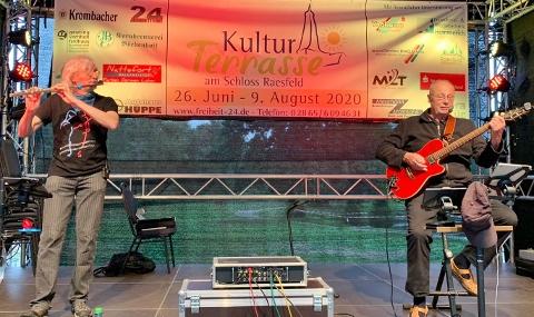 Dorstener Akustik-Duo OUWE Michael Thiemann (Flöte) und Reinhard Ernst
