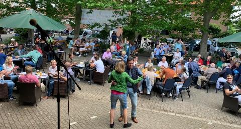 Frühschoppen Kultur Terrasse