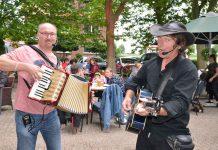 Sänger-Rainer-Migenda-und-Marcus-Becker-Kultur-Terrasse