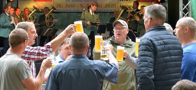 Schützenverein Raesfeld feiert Schützenfest Kulturterrasse Schloss Raesfeld