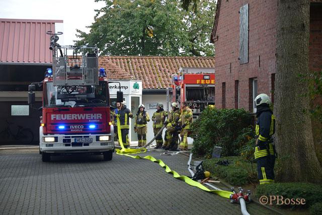 Feuerwehr Raesfeld Schermbeck und Borken bei Brand in Schreinerei