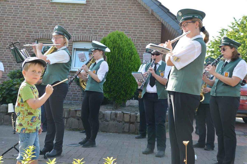 Ständchen-Nachbarschaft-Raesfeld-Burgmusikanten-Raesfeld