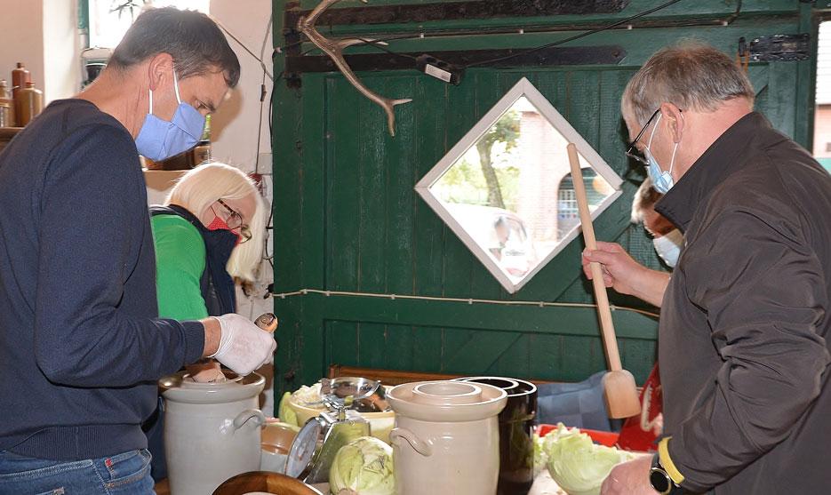 Sauerkraut-stampfen