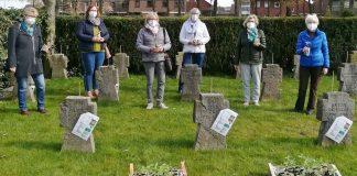 Sonnenblumen-gegen-Vergessen-An-den-Soldatengräbern