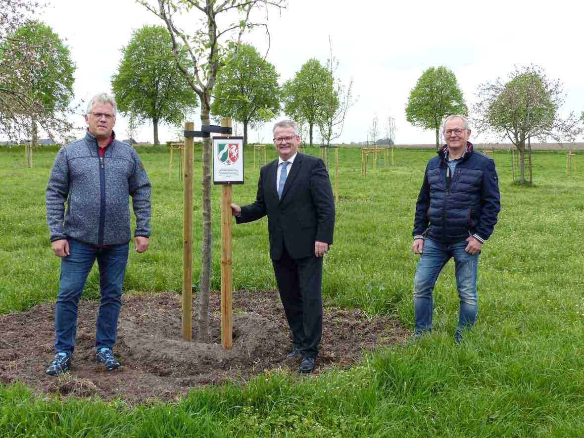 Bürgermeister-Martin-Tesing-Baumpflanzaktion-Raesfeld