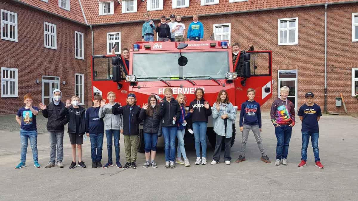 Deutschstunde-mit-Feuerwehrauto-Gesamtschule-Raesfeld-Erlebnis